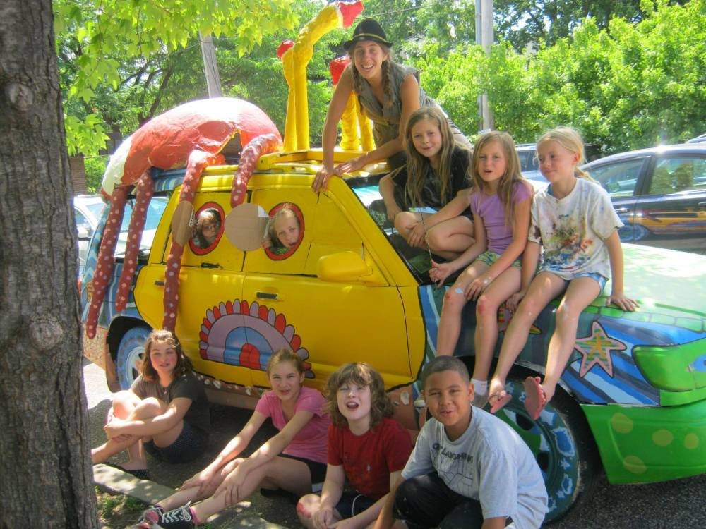 TOP MINNESOTA SUMMER CAMP: Articulture Art Camp is a Top Summer Camp located in Minneapolis Minnesota offering many fun and enriching camp programs.