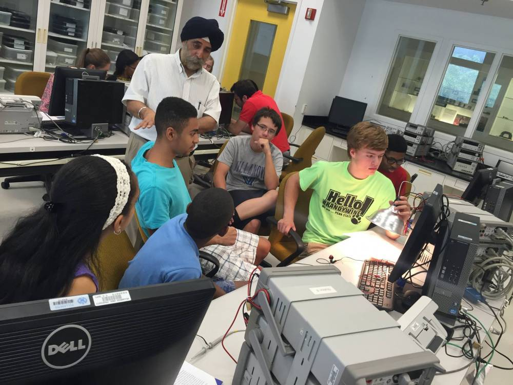 TOP PENNSYLVANIA SUMMER CAMP: NovaEdge - Diversity in Engineering is a Top Summer Camp located in Villanova Pennsylvania offering many fun and enriching camp programs.
