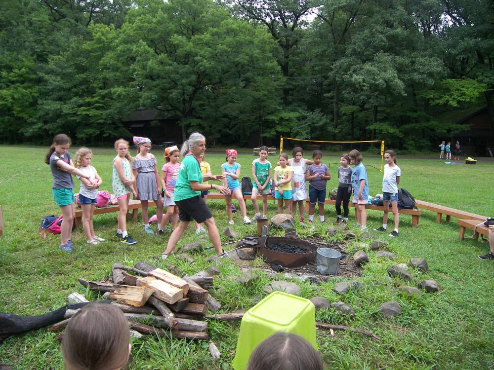 TOP NEW JERSEY SUMMER CAMP: The OVAL is a Top Summer Camp located in Maplewood New Jersey offering many fun and enriching camp programs.