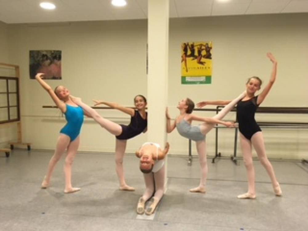 TOP OHIO SUMMER CAMP: Cleveland City Dance Summer Intensives is a Top Summer Camp located in Cleveland Ohio offering many fun and enriching camp programs.